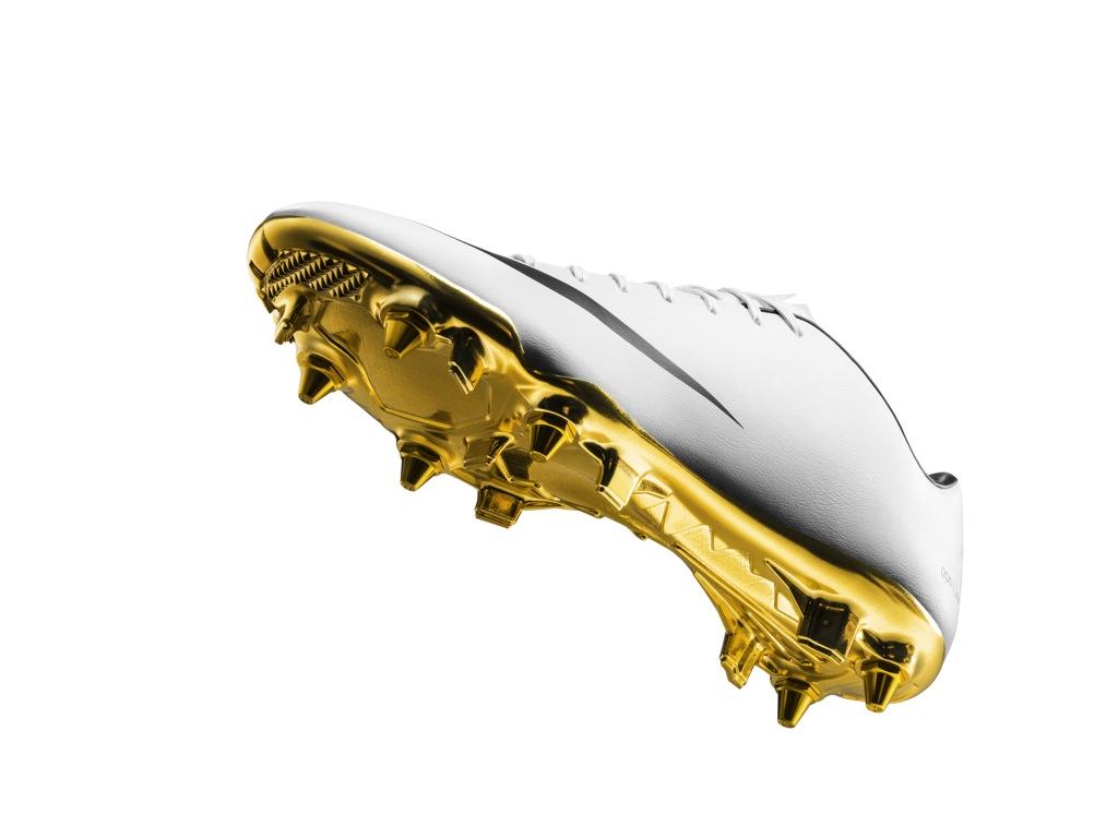 Nike Celebrates Cristiano Ronaldo s 2013 14 Season w  Ltd. Ed. White ... 33f1b28ba3